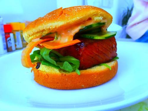 Hamburger de saumon teriyaki par le chef Anthony KHALIFA